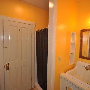 main-floor-bath
