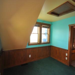 upstairs-office-bedroom